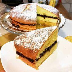 TORTA DI MAIS E MARMELLATA DI PRUGNE CORN CAKE WITH PRUNES JAM