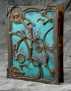 Keeping a journal is essential if you are not wanting to forget some hints... This is absolutely gorgeous. I'm going to deck out all my school supplies in gears and stuff this year!!