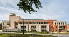 Gatton College of Business and Economics — Robert A. Cultural Architecture, Education Architecture, Commercial Architecture, School Architecture, Building Exterior, Building Facade, University Of Kentucky Campus, School Building Design, Business And Economics