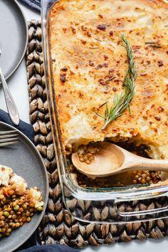 Lentil Shepherd's Pie Lentil Recipes, Vegetarian Recipes, Vegetarian Dinners, Savoury Recipes, Healthy Dinners, Vegetable Recipes, Shepherds Pie Healthy, Easy Cooking, Cooking Recipes
