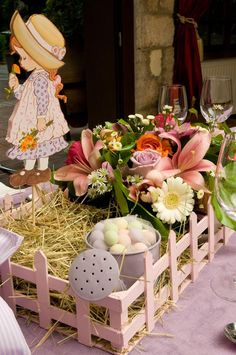 Sarah Kay Christening table decoration Sarah Key, Christening Table Decorations, Baby Girl Baptism, Holly Hobbie, Wedding Engagement, Centerpieces, Baby Shower, Diy Crafts, Birthday