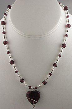 IDEA: Amethyst Heart Necklace (eebeads.com)  ~ FREE INSTRUCTIONS