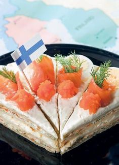 Suomalainen rieskakakku Savory Snacks, Easy Snacks, Keto Snacks, Great Recipes, Snack Recipes, Finnish Recipes, Savory Pastry, Sandwich Cake, Sweet And Salty