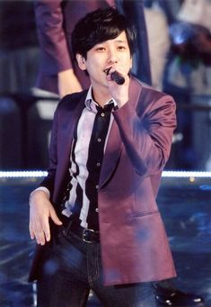 You Are My Soul, Ninomiya Kazunari, Human Poses, Cute Guys, Actors, Music, Musica, Musik, Cute Teenage Boys