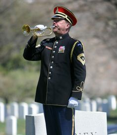 Military Bands around the world Army Band, Us Army, Armed Forces, Memorial Day, Horns, Bands, Around The Worlds, Military, English