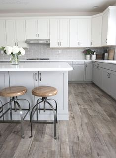 beautiful light grey kitchen cabinets with white upper cabinets and white quartz. beautiful light grey kitchen cabinets with white upper cabinets and white quartz countertops Light Grey Kitchens, Gray And White Kitchen, Kitchen With Grey Floor, Kitchen Grey, Neutral Kitchen, Kitchen Modern, White White, Rustic Kitchen Cabinets, Kitchen Decor
