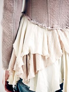Mode: Close-up / Détails Kleding ~Achterkant Lila-Crème jasje: verwerking lagen~