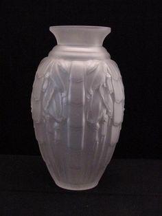 art deco frosted vase, signed Muller Frères Luneville France