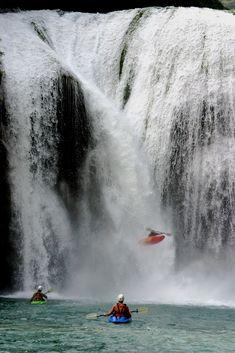 Kayak Paddle, Canoe And Kayak, River Kayak, Kayaks, White Water Kayak, Trekking, Whitewater Kayaking, Canoeing, Kayak Adventures