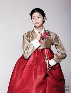 Hanbok, korean traditional clothes / My wedding Korean Traditional Dress, Traditional Fashion, Traditional Dresses, Traditional Wedding, Hanbok Wedding, Wedding Dress, Design Oriental, Korea Dress, Modern Hanbok
