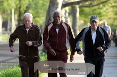 Three of a kind! Michael Caine, Morgan Freeman, and Alan Arkin sported matching velour tracksuits while filming Zach Braff's upcoming film, Going In Style, in New York City on Wednesday Best Movie Trailers, Go To Movies, 2016 Movies, Watch Free Movies Online, Morgan Freeman, Tv Reviews, We Movie, Latest Movies, Films