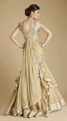 recently published new article about latest fashion trend listed on Indian Bridal Dresses Collection Indian Wedding Gowns, Indian Bridal, Indian Dresses, Indian Outfits, Indian Clothes, Pakistani Bridal, Indian Weddings, Bridal Lehenga, Lehenga Choli