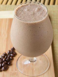 Frullato smoothie al caffe: quando il caldo si fa sentire, un frullato al caffè soddisfa la voglia di gusto e il bisogno di energia! Da provare!