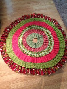 Becoming a Virtuous Woman: No-Sew Christmas Tree Skirt Tutorial