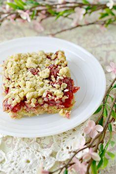 Easy Cherry Cake Bars Recipe