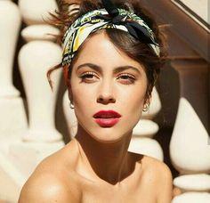 Martina Stoessel (TINI)❤ Celebrity Singers, Celebrity Couples, Celebrity News, Got Me Started Tour, Photography Women, Beautiful Celebrities, Hair Inspo, Pretty Woman, Selena Gomez