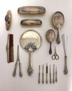 16 teiliges Toilettenset Bruckmann 800.Silber um 1900