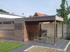 Tuinhuis, mooie kleur, mooie deur die wegvalt, mooie vloer, kap te zwaar. Zie liever iets luchtige wat nog licht doorlaat