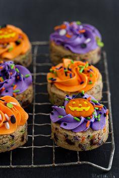 20 Halloween Cookies Guaranteed to Make You Grin Like a Jack-o'-Lantern