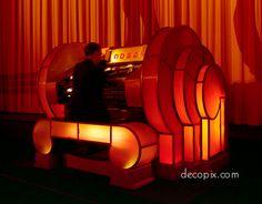 Organ, Odeon Theatre, Leicester Square, London 1 of 2 New York Buildings, Art Deco Buildings, 1920s Art Deco, Art Deco Era, Geometric Designs, Geometric Shapes, Streamline Moderne, Design Movements, Art Deco Furniture