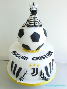 Torta calcio Juve!!! Soccer Birthday Cakes, Cake Stencil, Hand Painted Cakes, Cake Art, Cookie Decorating, Christening, Kids Meals, Fondant, Bakery