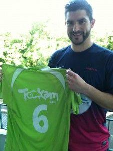 Il y a quelques années de cela (et oui, déjà 2 ans !), le Tookam Football Club (TFC) a participé à un tournoi de Football à 5 en faveur de l'Association « un maillot pour la vie ». Ce fut l'occasion de révéler aux yeux du grand public un joueur talentueux, j'ai nommé Sébastien