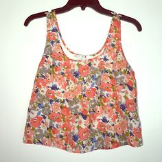 Floral Lace Crop Top Small Floral Lace Crop Top 100% polyester Forever 21 Tops Crop Tops