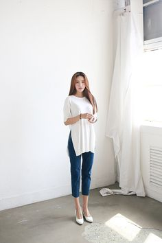 Korean Fashion Trends you can Steal – Designer Fashion Tips Korean Fashion Summer, Korean Fashion Trends, Korean Street Fashion, Fashion 101, Pop Fashion, Asian Fashion, Fashion Outfits, Womens Fashion, Fashion Design
