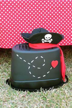 Ideas para fiestas de piratas con corazones http://tutusparafiestas.com/ideas-fiestas-piratas-corazones/ Ideas for Pirate Party with Hearts #Celebraciondeldíadelamorylaamistad #Decoraciondefiestas #Fiestapirata #Fiestasinfantiles #Ideasparafiestasdepiratasconcorazones