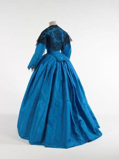 Blue silk day dress, 1861 | In the Swan's Shadow