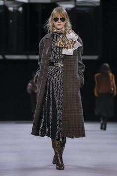 Celine Ready To Wear Fall Winter 2019 Paris Classy Fashion, 70s Fashion, Vintage Fashion, Classy Lady, Classy Women, 70s Style, Vintage Style, Celine, Fashion Weeks