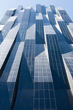 ˚DC Tower, Wien Architect: Dominique Perrault: