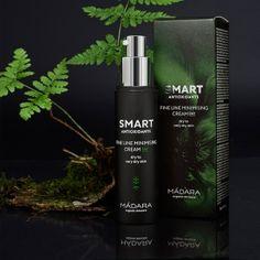 La Crème Visage SMART ANTIOXIDANTS Fine Line Minimising Day Cream de MADARA est un soin idéal pour hydrater, protéger et prévenir les premiers signes de l'âge. La composition unique stimule la production de collagène, apporte une hydration optimale et un éclat immédiat à la peau. Cette crème de jour bio convient particulièrement aux peaux sèches à très sèches. Flacon Pompe 50ml. 35€ #madara #cosmetiques #smart #antioxidants #bio #naturel #soin #creme #visage #peau #seche #rides #beaute