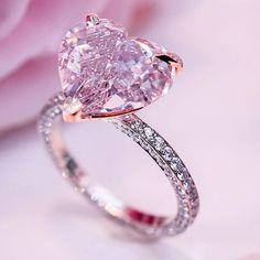 Perfect shape & colour fancy purplish pink