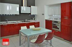 Cucina rossa moderna 11