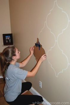 Really good idea. Cut a stencil/shape out of cardboard and trace around it then paint! **My formal dining room wall pattern.**