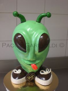 Alien Easter egg. Please visit my page and take a look to others beautiful cakes ideas. Paolo Gariboldi.
