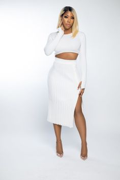 With this Ivory in the Park set, you can choose comfort without sacrificing style. This set includes a side split pencil skirt, a long sleeve blouse with a round neckline, and a cropped hem to flatter your shape. This two-piece combination will make your event wardrobe sparkle this season. Heels in a transparent or nude tone will complete your appearance. #outfit #outfitgoals #outfitgoalsclassy #outfitclassy #classyoutfit #sets #fashionoutfits #fashionsewing #luxurylifestyle #richlife Elegant Dresses Classy, Elegant Outfit, Classy Dress, Night Outfits, Spring Outfits, Fashion Outfits, Glamorous Outfits, Classy Outfits, Luxury Dress