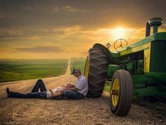 tractor-couple