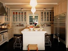 this kitchen is beautiful [although no viking fridges for us... apparently fridges are not their forte]