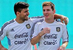 Sergio Agüero junto a Leo Messi en un entrenamiento de la albiceleste