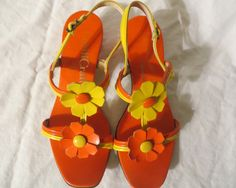 Vintage 60s Mod Sandals Shoes Flower Power DAISIES Bright Orange & Yellow Flowers Sz 5 1/2 B Twiggy Shoes AS IS Op Art Carnaby Street