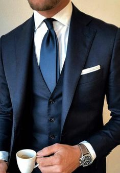 Men's Suits - This is so cool! We love Navy-blue coloured suits. This winter the west is a must and look at the tie, little lighter than the suit and very strong with white shirt. - Most Pin Blue Suit Wedding, Wedding Suits, Wedding Dress, Classy Suits, Cool Suits, Classy Style, Style Gentleman, Dapper Gentleman, Blue Suit Men