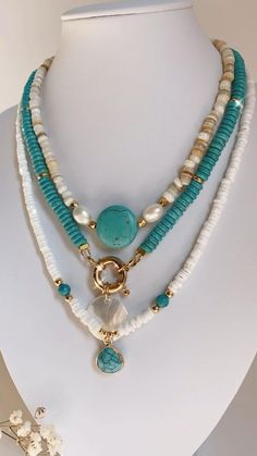 Handmade Jewelry Bracelets, Wish Bracelets, Beaded Jewelry, Fine Jewelry, Beaded Necklace, Choker Necklaces, Necklace Ideas, Bohemian Necklace, Bead Jewellery