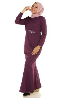 Fahara Kurung With Pleated Drape from Ashura in Purple Fahara Kurung With Pleated Drape from Ashura in Purple Top -Round neckline with center back zipper -Basic bell sleeves -Wudhu firendly -Non-transparen... Bell Sleeves, High Neck Dress, Neckline, Zipper, Purple, Skirts, Stuff To Buy, Tops, Dresses