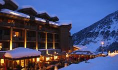 Hotel Portetta, Courchevel 1650 - Fire & Ice terrace, a unique place to enjoy a drink after a day's skiing Luxury Family Holidays, French Alps, Trip Planning, Family Travel, Skiing, Travel Destinations, Places To Visit, Explore, France