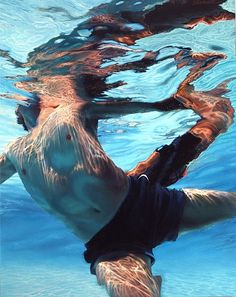An incredible modern artist who paints huge larger than life hyper-real oil paintings. Her swimming portraits are stunning! Magical Paintings, Oil Paintings, Nashville Art, Underwater Painting, Underwater Pictures, Spirited Art, Beach Artwork, Modern Artists, World Of Color