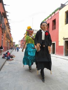 You just might spy mojigangas (giant puppets) parading through the streets during your visit to San Miguel de Allende with kids