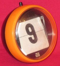 set the date in the - datumteller jaren 70 Ik heb hem nog! Do You Remember, Sweet Memories, My Memory, Vintage Home Decor, Childhood Memories, Retro Vintage, My Love, School, Fashion Styles