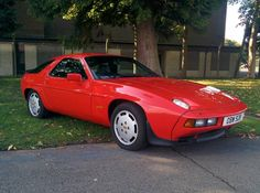 Lovely deep colour still on this 1983 928...  #porsche #classiccar…